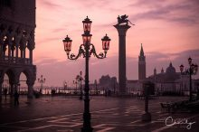 Lamppost of Venice © Prints of Italy™ | All Rights Reserved